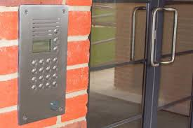 An door intercom system with button buzzer